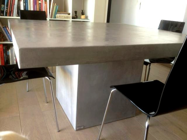Table beton par stuc co tables a diner b ton cire for Table laque 8 places